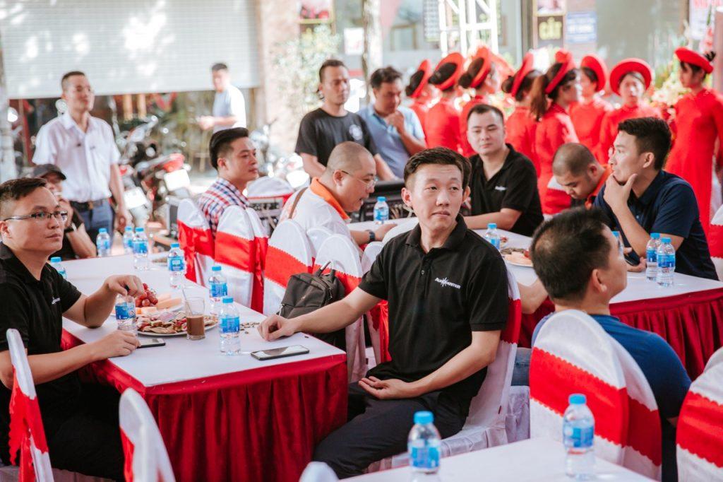 Phụ trách kỹ thuật và trưởng phòng kinh doanh Audiocenter khu vực Châu Á Thái Bình Dương